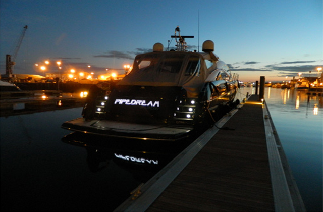 Pipedream illuminated yacht sign