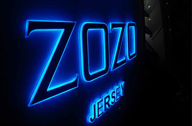 Zozo Yacht Sign
