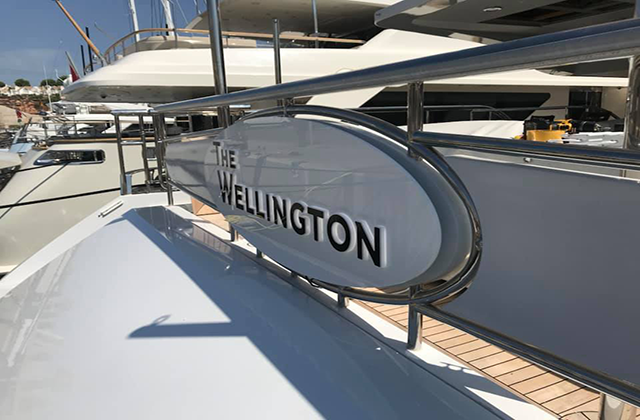 The Wellington Yacht Sign